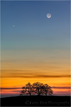 Gary Hart Photography: Heaven and Earth, New Moon and Venus, Sierra Foothills