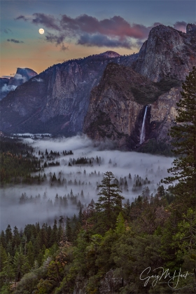Gary Hart Photography: Moon and Mist,Tunnel View, Yosemite