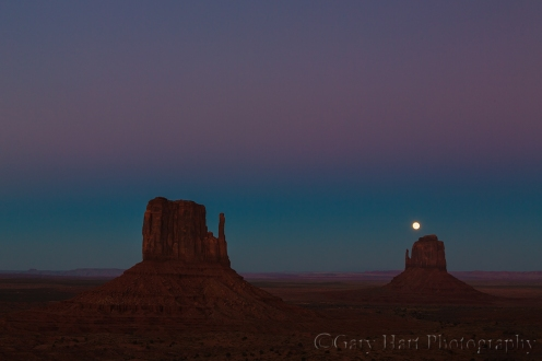 Gary Hart Photography: Moonrise, Monument Valley