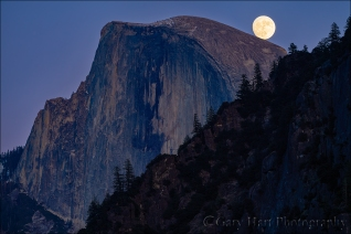 Gary Hart Photography: Balanced Moon, Half Dome, Yosemite