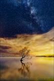 Gary Hart Photography: Sky Light,The Milky Way and City Lights, Lake Wanaka, New Zealand
