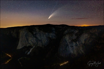 Gary Hart Photography: Comet NEWOSIE and Traffic, El Capitan from Taft Point, Yosemite