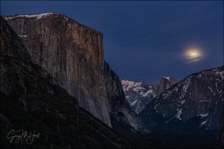 Gary Hart Photography: Nightfall, Yosemite Valley Moonrise