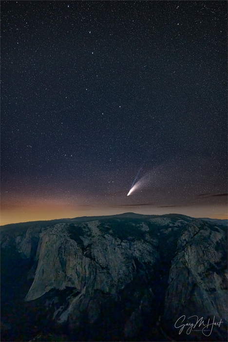 Gary Hart Photography: Neowise and the Big Dipper Above El Capitan, Taft Point, Yosemite