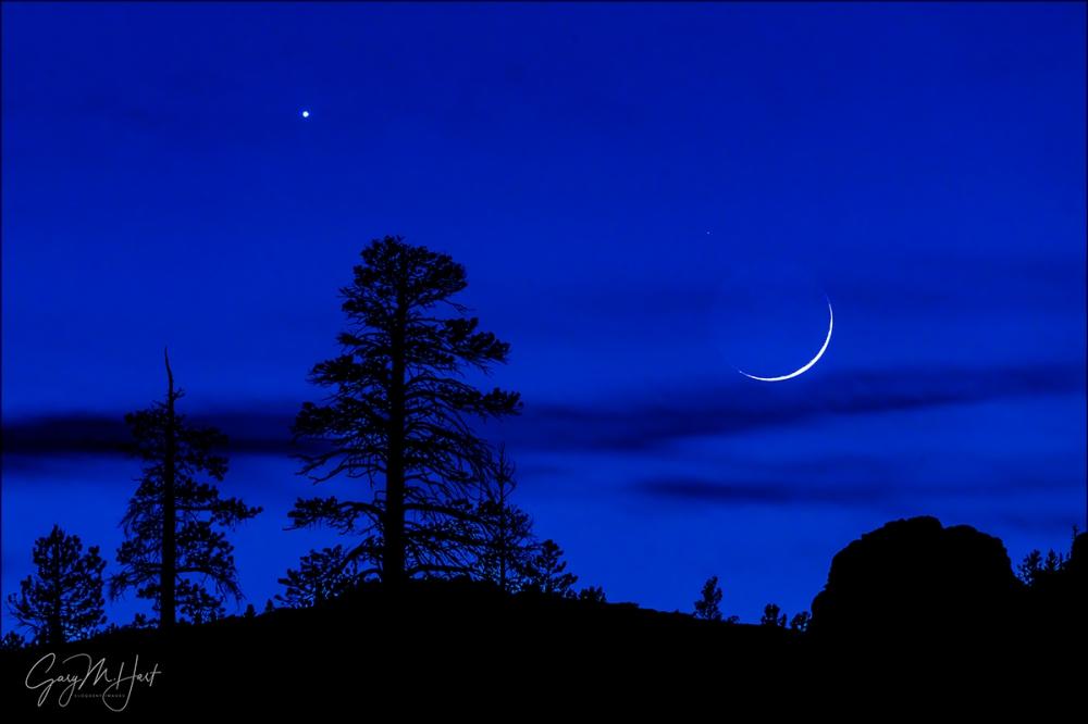Gary Hart Photography: High Sierra Nightfall, Crescent Moon and Venus, Yosemite